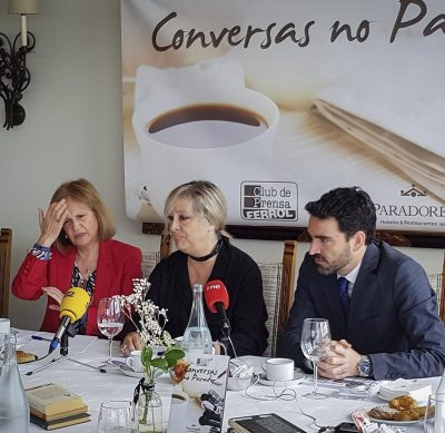 Conversas no Parador coa decana Manuela del Pilar Santos Pita